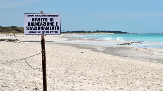 Baden verboten - Strand in Vada